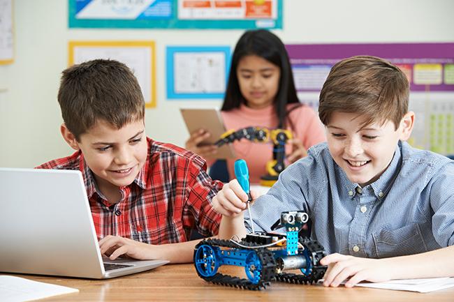 Cursos de robótica en inglés para niños